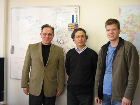 From left to right: Prof. Nikola Kasabov (KEDRI), Prof. Hiroshi Kojima (Tamagawa University), Stefan Schliebs (KEDRI)